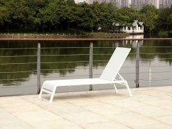 Riviera Outdoor Chaise / White